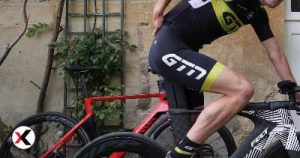 How-to-Avoid-Lower-Back-Pain-When-Cycling
