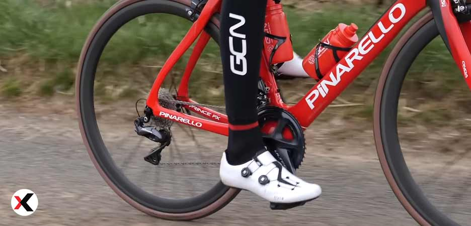 What kind of shoes should I wear for cycling