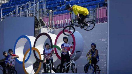 Organizer mishaps continue to plague cycling at Tokyo Games